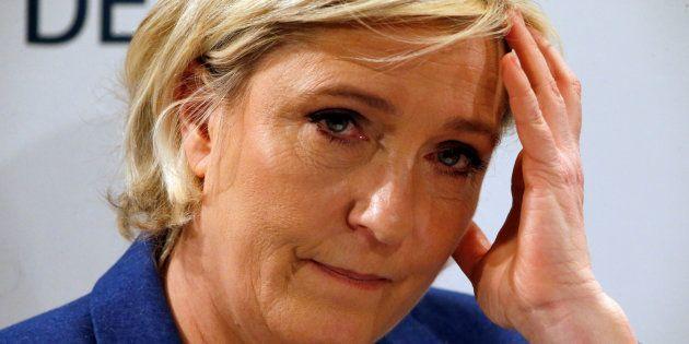 Marine Le Pen lors d'une conférence à Puteaux le 6 mars
