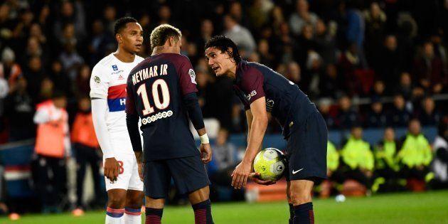 Tension entre Neymar et Cavani avant un penalty contre Lyon ce 17 septembre
