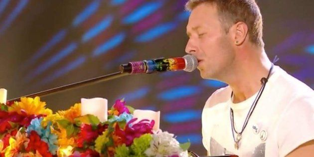 L'hommage de Coldplay aux victimes des attentats du 13 novembre lors des NRJ Music Awards