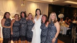 Ces six femmes à un mariage ne sont pas demoiselles