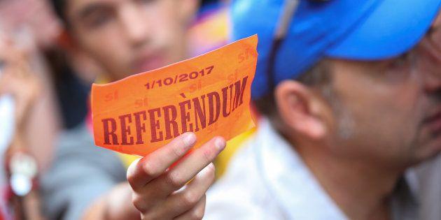 Avant le référendum en Catalogne, les pressions s'accentuent sur les