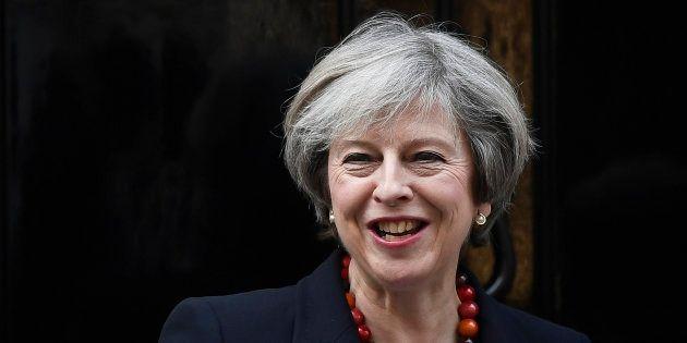 Le parlement autorise le Brexit, Theresa May peut enfin déclencher la