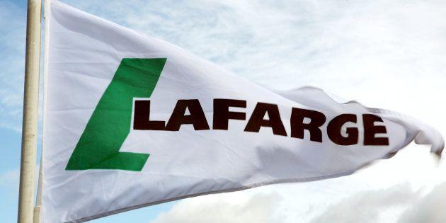 (Photo d'illustration): L'ONG Sherpa porte plainte contre le cimentier Lafarge pour financement du terrorisme...