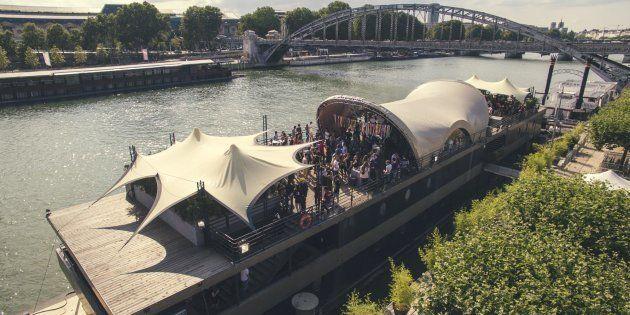La péniche-club Concrete se situe sur le quai de la Rapée à