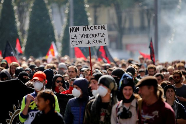 Manifestations anti-loi travail: 16.000 manifestants à Paris selon la police, 55.000 selon la