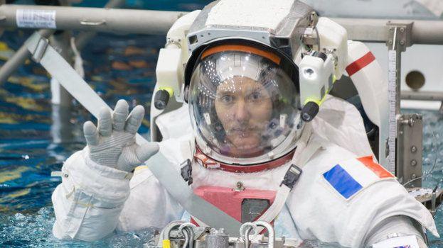 Votre enfant veut devenir astronaute ? Voici le parcours parfait de Thomas Pesquet pour s'envoler sur