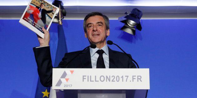 François Fillon lors d'une conférence de presse pour présenter