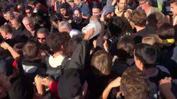 Les images des tensions entre militants Insoumis et black blocs avant le discours de Jean-Luc