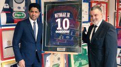Le président du PSG offre un maillot de Neymar au fils de Louis Nicollin (qui les collectionnait avant sa