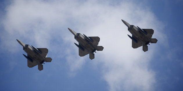 Trump envoie des bombardiers survoler la côte nord-coréenne (Image