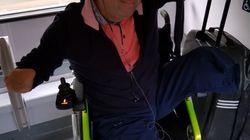 Philippe Croizon forcé de montrer sa carte d'invalidité dans le