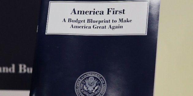 Ce jeudi 16 mars, Donald Trump a dévoilé ses propositions pour le budget 2018. Il y préconise des coupes...