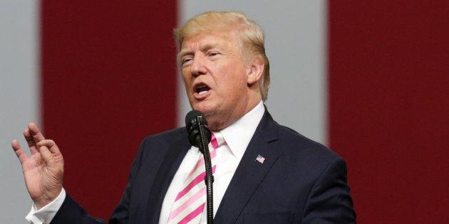 Trump signe un nouveau décret migratoire, cette fois à durée indéterminée, contre huit