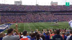Dans les stades NFL, les supporters huent leurs propres joueurs qui boycottent