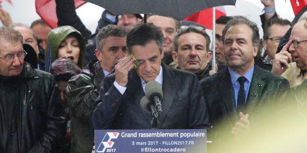 François Fillon lors du rassemblement du Trocadéro à Paris, le 5 mars