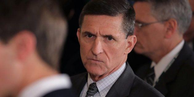 Michael Flynn à la Maison Blanche le 13 février, lors d'une conférence de presse commune entre Donald...