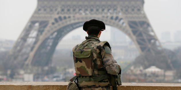 Pourquoi la loi antiterroriste qui remplacera l'état d'urgence pose