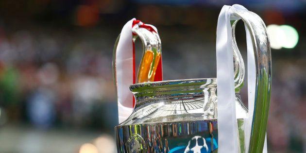 Le trophée de la Ligue des