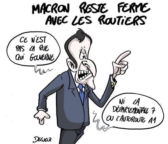 Emmanuel Macron fait barrage aux