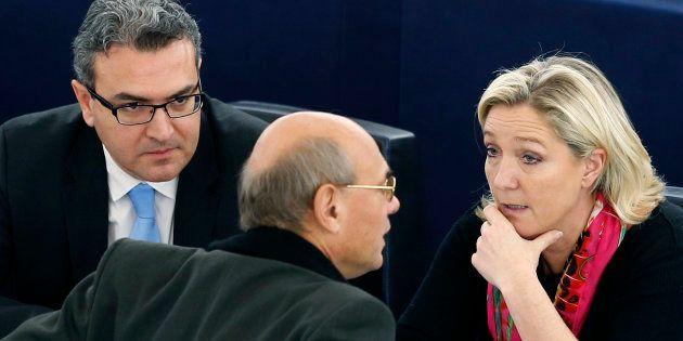 Aymeric Chauprade (à gauche) accuse Marine Le Pen de lui avoir demandé de tricher dans l'affaire des...
