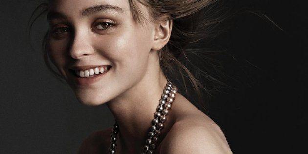 Lily-Rose Depp seins nus pour