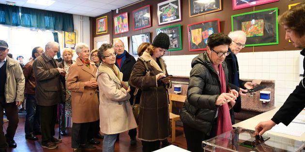 Files d'attente, Français de l'étranger... la participation à la primaire de droite s'annonce