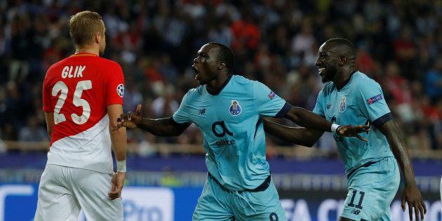 Vincent Aboubakar célèbre son deuxième but à Monaco le 26 septembre