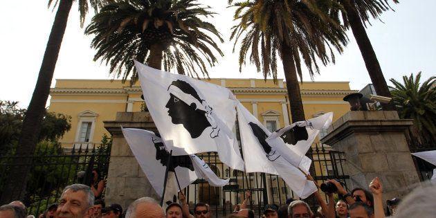 Comme la Catalogne, la Corse pourrait-elle organiser un référendum sur son