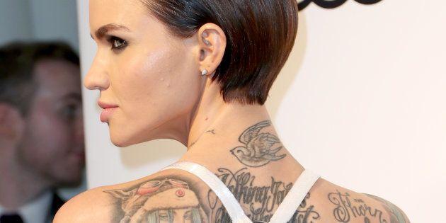 L'Australienne a plus de 60 tatouages sur le