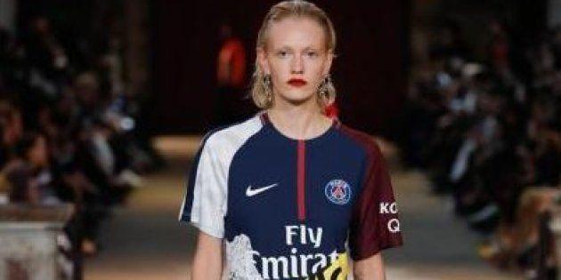 La marque française KOCHÉ a présenté des maillots du PSG