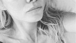Les larmes de Pamela Anderson après la mort de Hugh