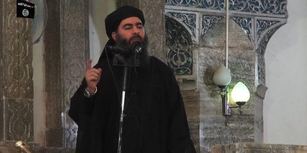 Abou Bakr al-Baghdadi lors de sa seule apparition publique en juillet 2014, à la mosquée al-Nouri de