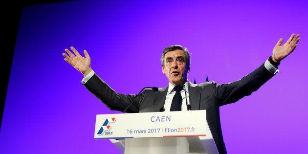 François Fillon en meeting à Caen le 16 mars