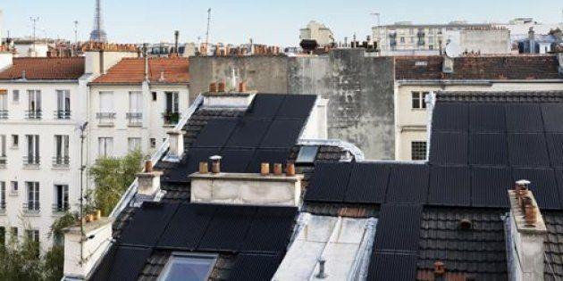 Ils recouvrent leur vieil immeuble parisien de panneaux solaires et peuvent presque se passer