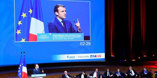 Emmanuel Macron devant l'Assemblée des maires de