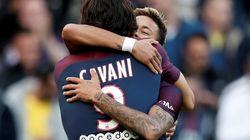 Neymar marque sur penalty (et Cavani l'en