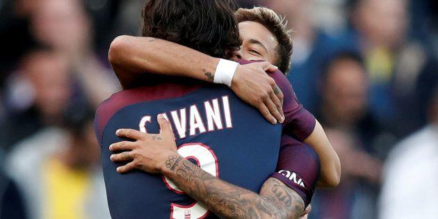 PSG-Bordeaux: Neymar marque sur penalty et Cavani l'en