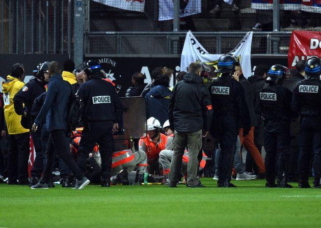 Amiens-LOSC en Ligue 1: 29 blessés dont 5 graves après l'effondrement d'une barrière dans une