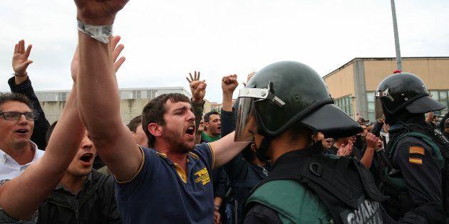 Référendum en Catalogne: il y a eu plus de coups de matraque que de bulletins de vote, et ça a déjà fait...