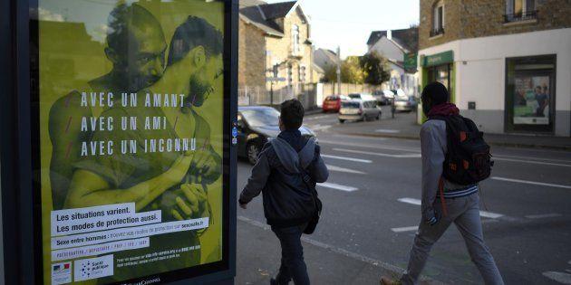 La campagne d'affichage de prévention du sida vue ici à Rennes, le 22 novembre