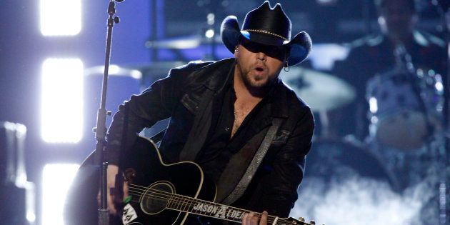 Las Vegas: le message de Jason Aldean, le chanteur de country qui se produisait lors de la