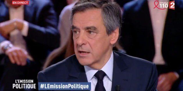 Fillon accuse François Hollande d'être le responsable des fuites le