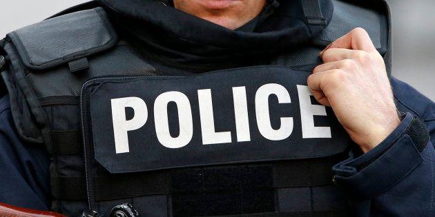 Une enquête antiterroriste ouverte après la découverte d'une bombe à