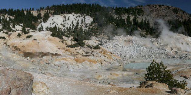 Des météorites tombées dans des mares chaudes seraient à l'origine des premiers éléments de base de la...