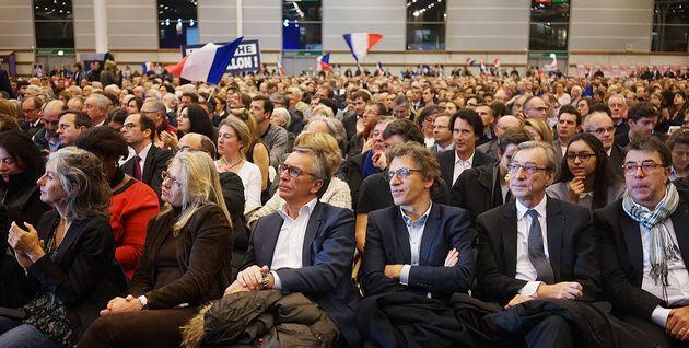 Selon les organisateurs, environ 10.000 personnes se sont réunies lors de ce dernier meeting de