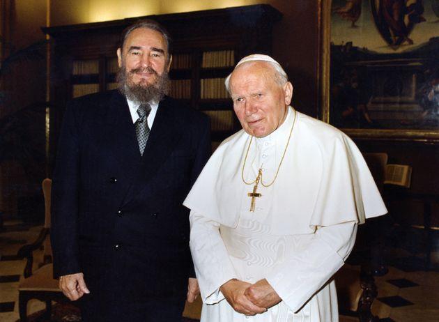 Fidel Castro et le pape Jean-Paul II au Vatican le 19 novembre