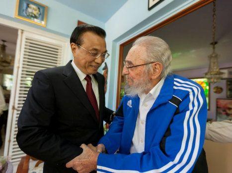Fidel Castro et le Premier ministre chinois Li Keqiang à La Havane le 25 septembre