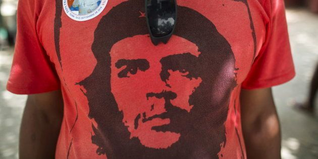 T-shirts, briquets, tasses... A qui profite le marketing de Che