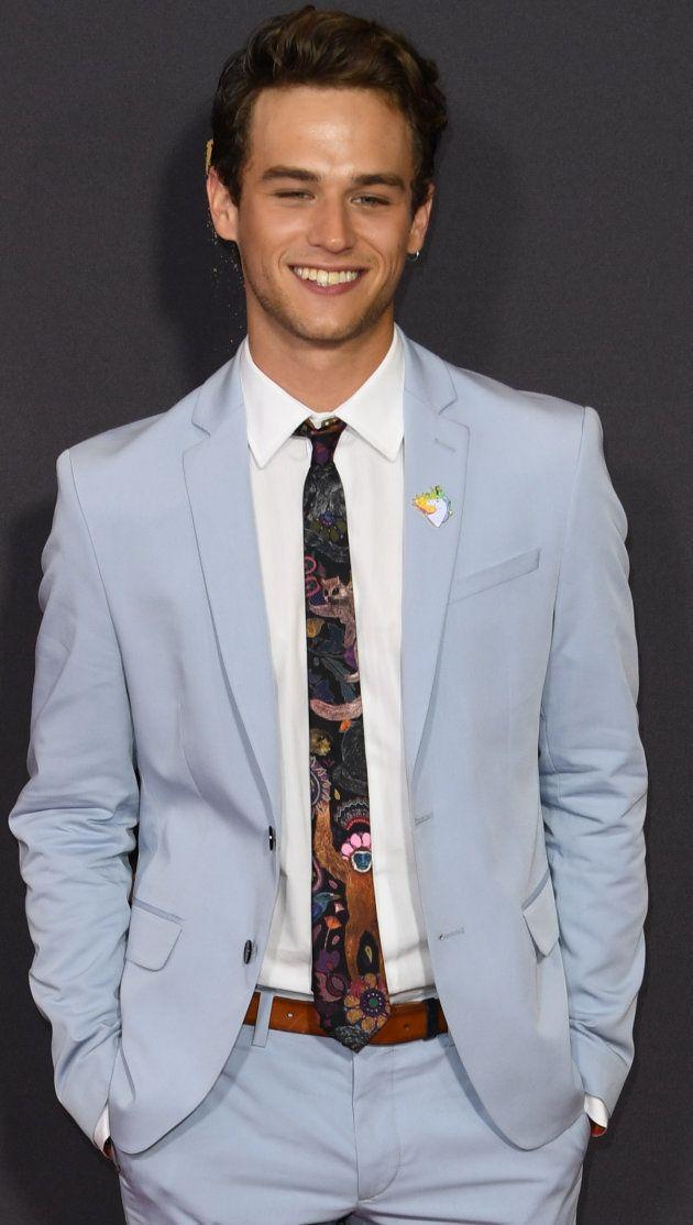 Brandon Flynn présent à la cérémonie des 69èmes Emmy Awards, à Los