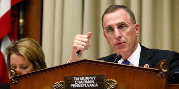 Tim Murphy, élu Républicain depuis 2003 à la chambre des représentants, qui est davantage connu pour ses votes réguliers contre l'avortement